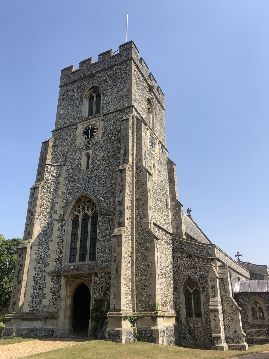 One of the furthest outposts of @chelmsdio, records of Elmdon parish date to 1179 & Roman funerary pottery was found on the church's ancient site🏺Although the current building is mostly Victorian, it rests on C14th foundations & the tower was added in C15th #Thread 2/7