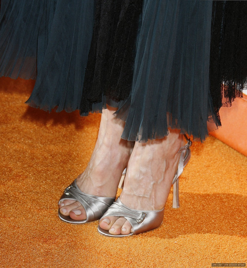 RT if you like Kyra Sedgwick's Feet  #KyraSedgwick  #feet #toes #CelebrityFeet #Celebrity #CelebritySoles #CelebrityToes #Soles #FeetPics #FeetPicture https://t.co/pIq1dYt67E https://t.co/344xrT5d9N