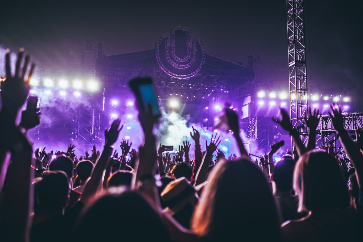 We are missing views like this more than ever right now. 🕺 What festival brings you the fondest memories? Let us know in the comments below. 👇  #festival #festivals #music #livemusic #dance #memories