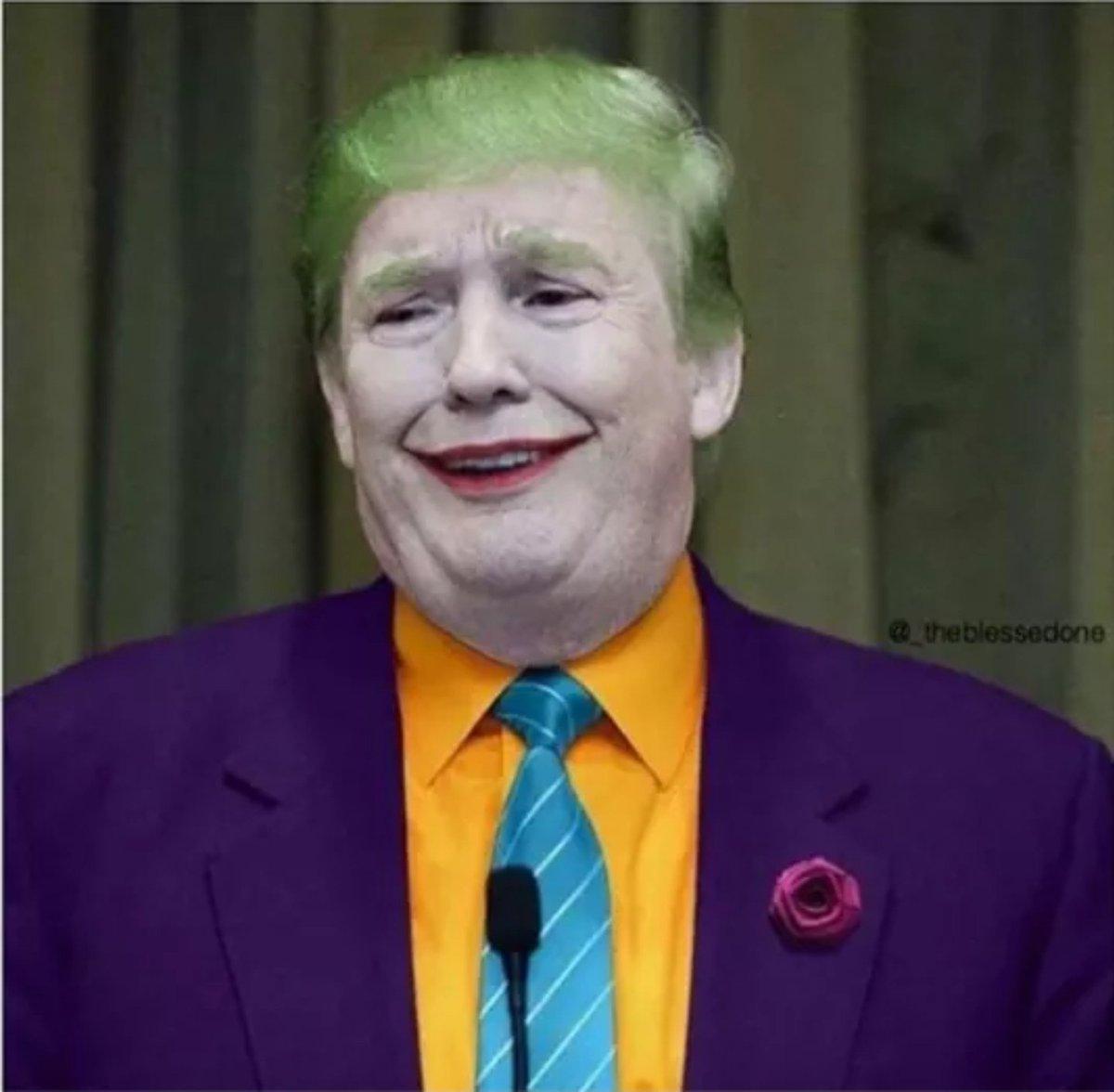 #DonaldTrump Found a new job !!! 😂  #JoeBiden #JoeBidenInauguration #Biden #BidenHarrisInauguration #AmericaOrTrump