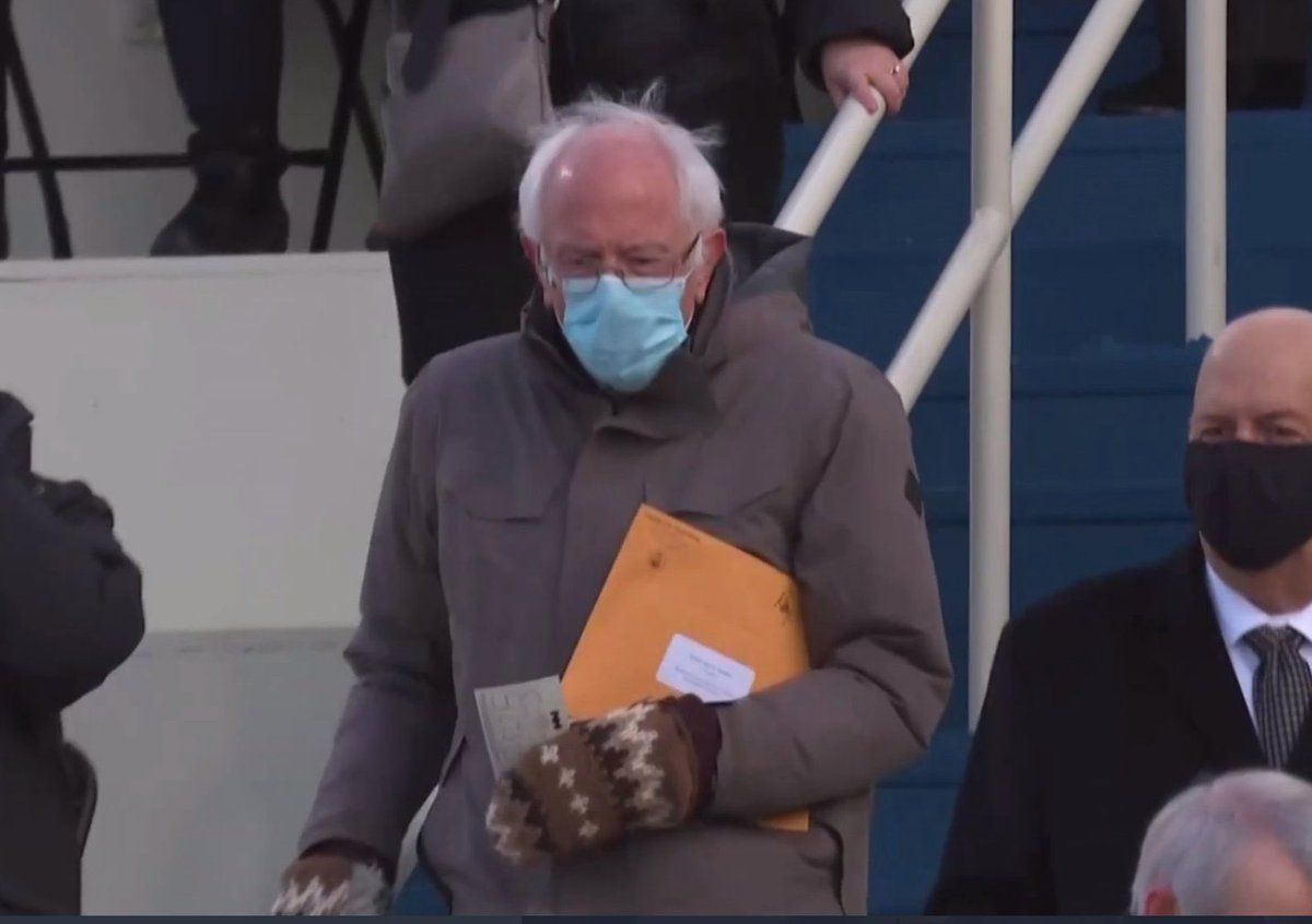 Replying to @MsReeezy: Bernie dressed like the inauguration is on his to do list today but ain't his whole day.
