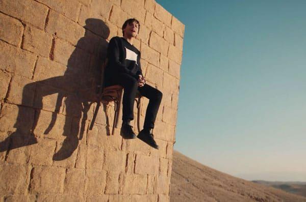 🔁 1 ano atrás  Ano passado nesse mesmo dia, Louis lançava o clipe #Walls e hoje ele já tem 13 milhões de visualizações no YouTube! 👑❤