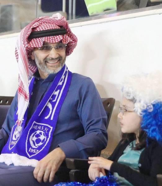 #الهلال_lلتعاون  مبروك للزعماء تجديد عقود  @salman_f13   @iYasser12   @Otayfff8   شكراً #فهد_بن_نافل   @Fahad_Alotaibi_  وشكراً لأعضاء شرف  #الهلال  شكرا صاحب السمو الملكي الأمير  #الوليد_بن_طلال  @Alwaleed_Talal  ،