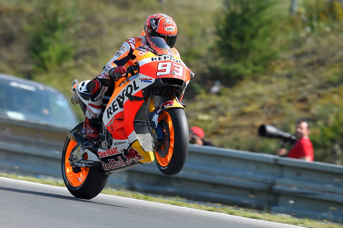 Replying to @HRC_MotoGP: Just a classic #WheelieWednesday today.