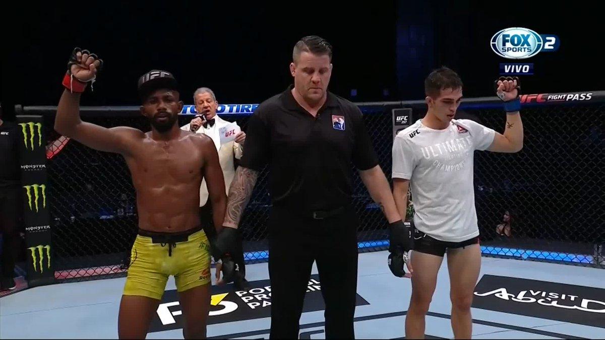 ¡POR DECISIÓN UNÁNIME!   #UFCxFOX Victoria para Francisco Figueiredo sobre Jerome Rivera en la cartelera preliminar de #UFCFightIsland8  🎙@GersonMarlon 🎙@mariodelgadorzm 🎙@SalasJiujitsu