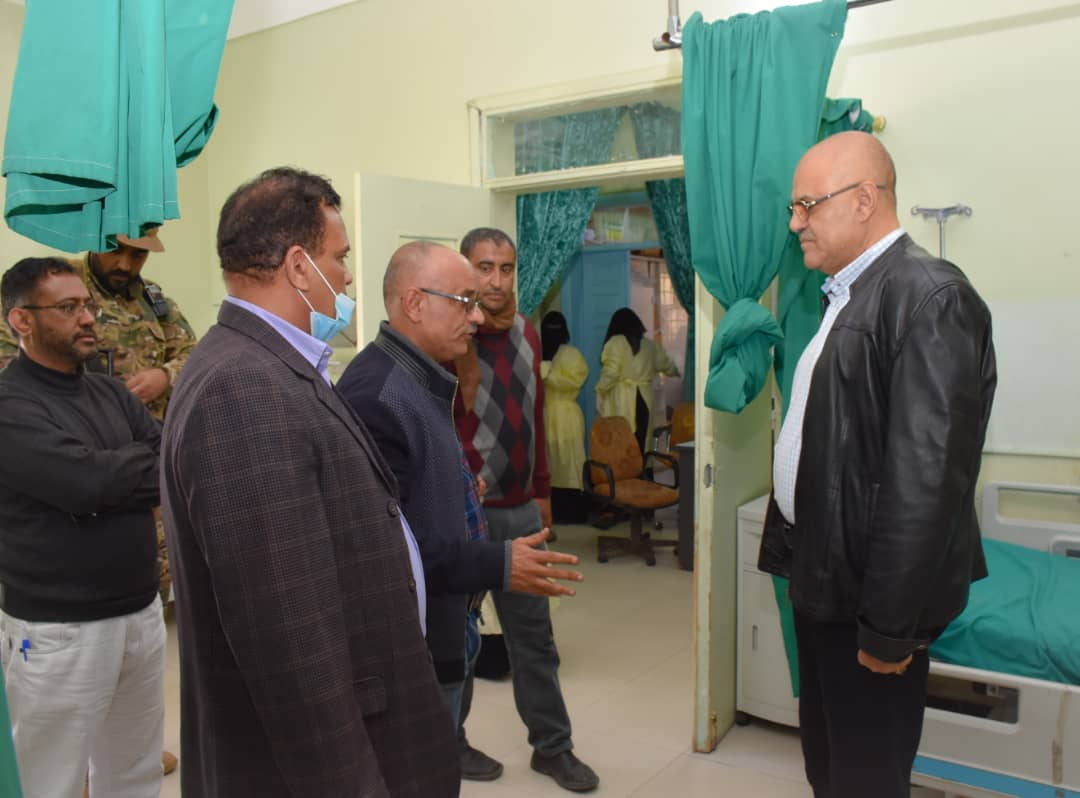 """محافظ #تعز """"نبيل شمسان"""" يؤكد بدء إجراءات ترفيع مستشفى خليفة بالتربة إلى هيئة طبية  #اليمن #yemen"""