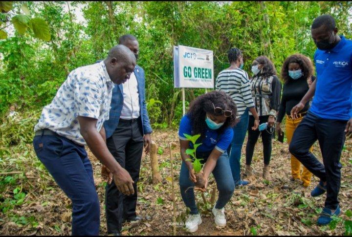 Climate Change: Junior Chamber International flags off tree planting project in Oyo   #HowCumBySkulFeez #InagurationDay #ireGame 20m Nigerians #wednesdaythought #WednesdayMotivation #ClimateAction