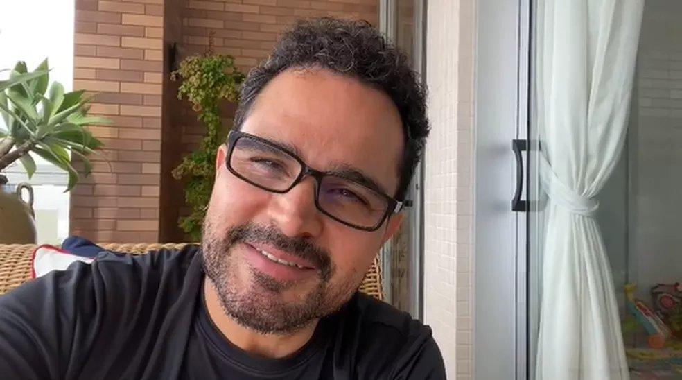 Hoje é dia do Luciano Camargo apagar as velinhas. 🥳🥳 O cantor faz 48 anos e gravou um vídeo para agradecer aos fãs: 'Emocionadíssimo' ➡️  #GshowFamosos
