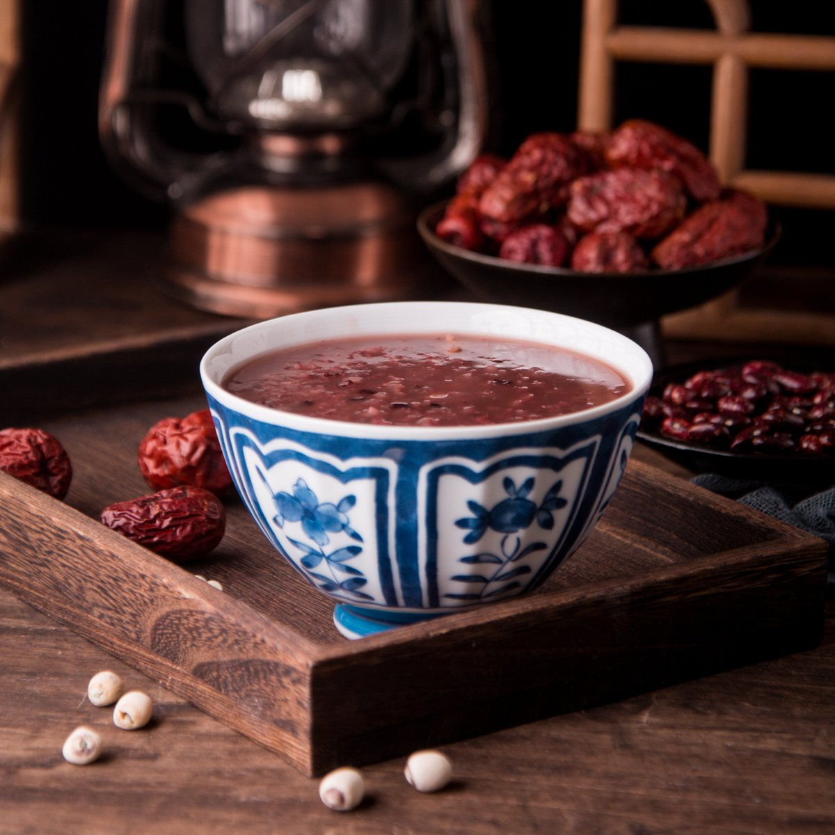 Laba porridge is made from different kinds of rice, beans, dried nuts, bean curd…Full of nutritions .#LabaFestival  #Festival #congee #healthylifestyle https://t.co/nBghqZAMR2