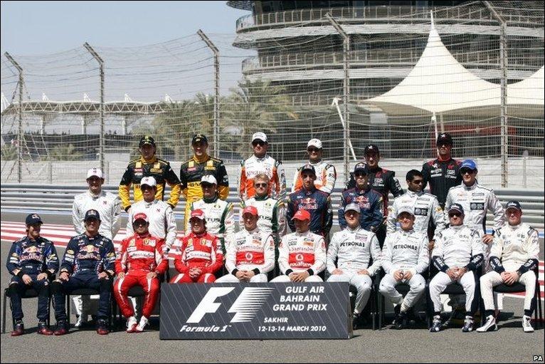 Hubo muchas novedades para esta temporada: el regreso de Michael Schumacher tras 3 años de retirada, la llegada de Alonso a Ferrari, la entrada de 3 nuevos equipos (Lotus, Virgin e Hispania), el proyecto de Mercedes tras haber comprado BrawnGP... #F1 #BahrainGP https://t.co/NiQ6YZ7nis