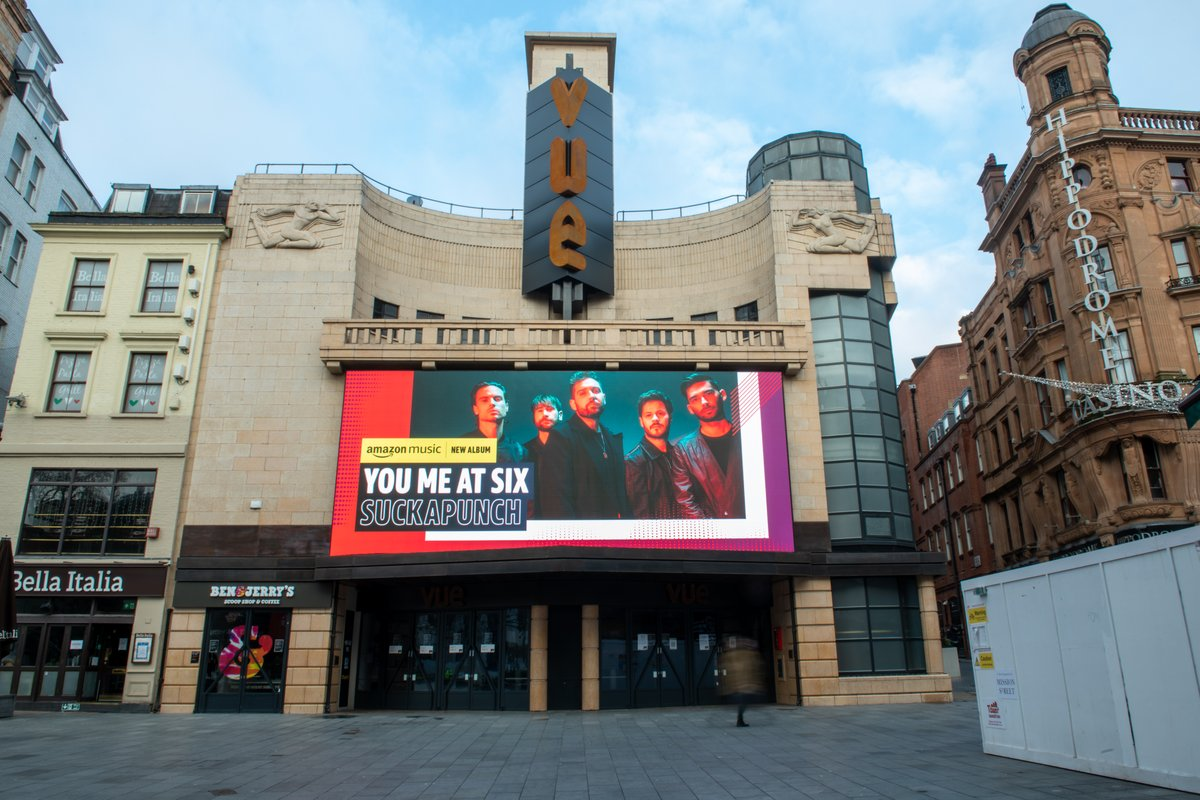 Absolute scenes at Leicester Sq and Euston Station. Thanks @AmazonMusicUK!!   #SUCKAPUNCH out now.  https://t.co/xnxfHgf0JT https://t.co/fTyDAmg0ZJ