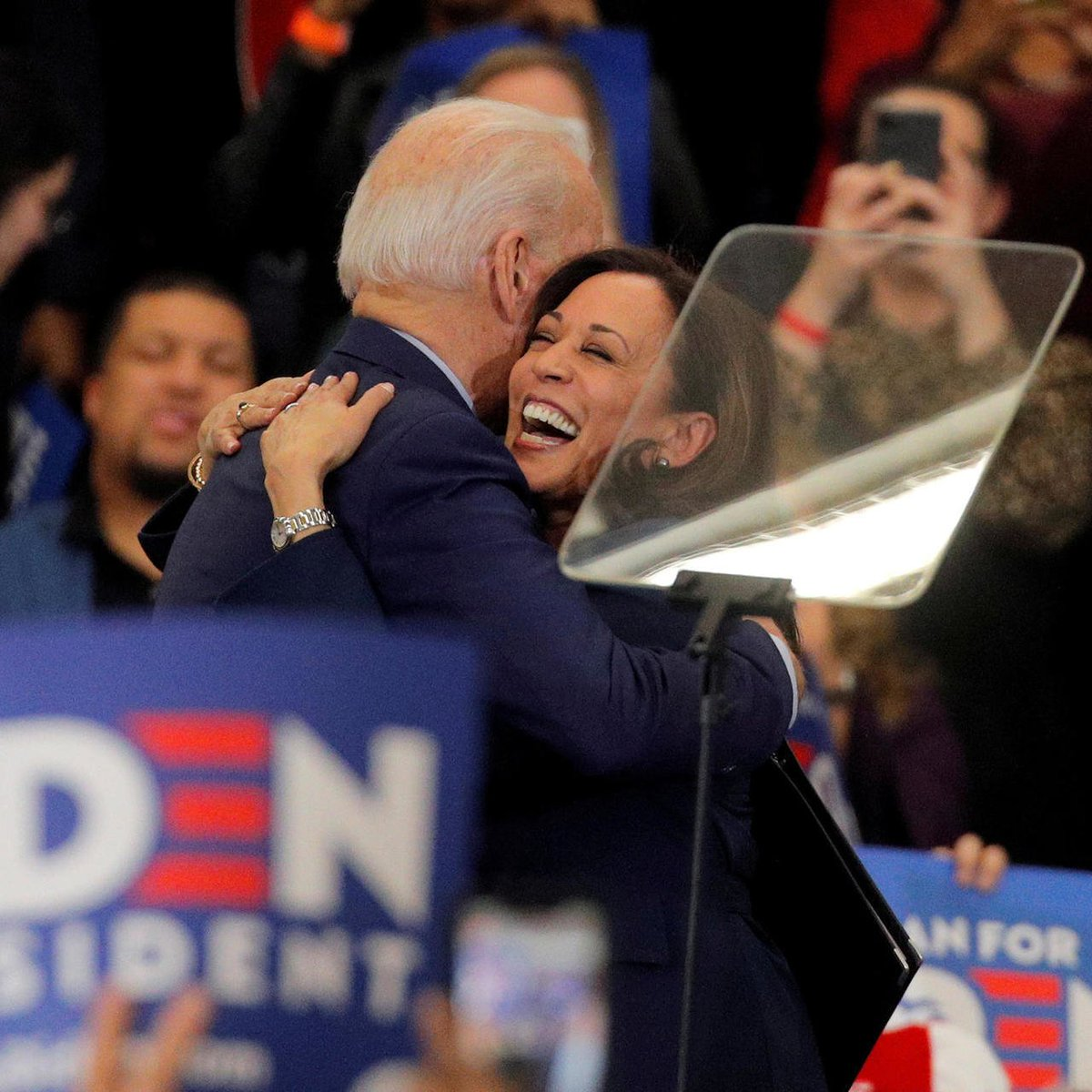 Dear friends: Whatever your political leanings, let us pray today for @JoeBiden, who becomes the second Catholic president; and @KamalaHarris, who becomes the first woman vice president. May God bless them and may they govern with justice, mercy and compassion. #InaugurationDay