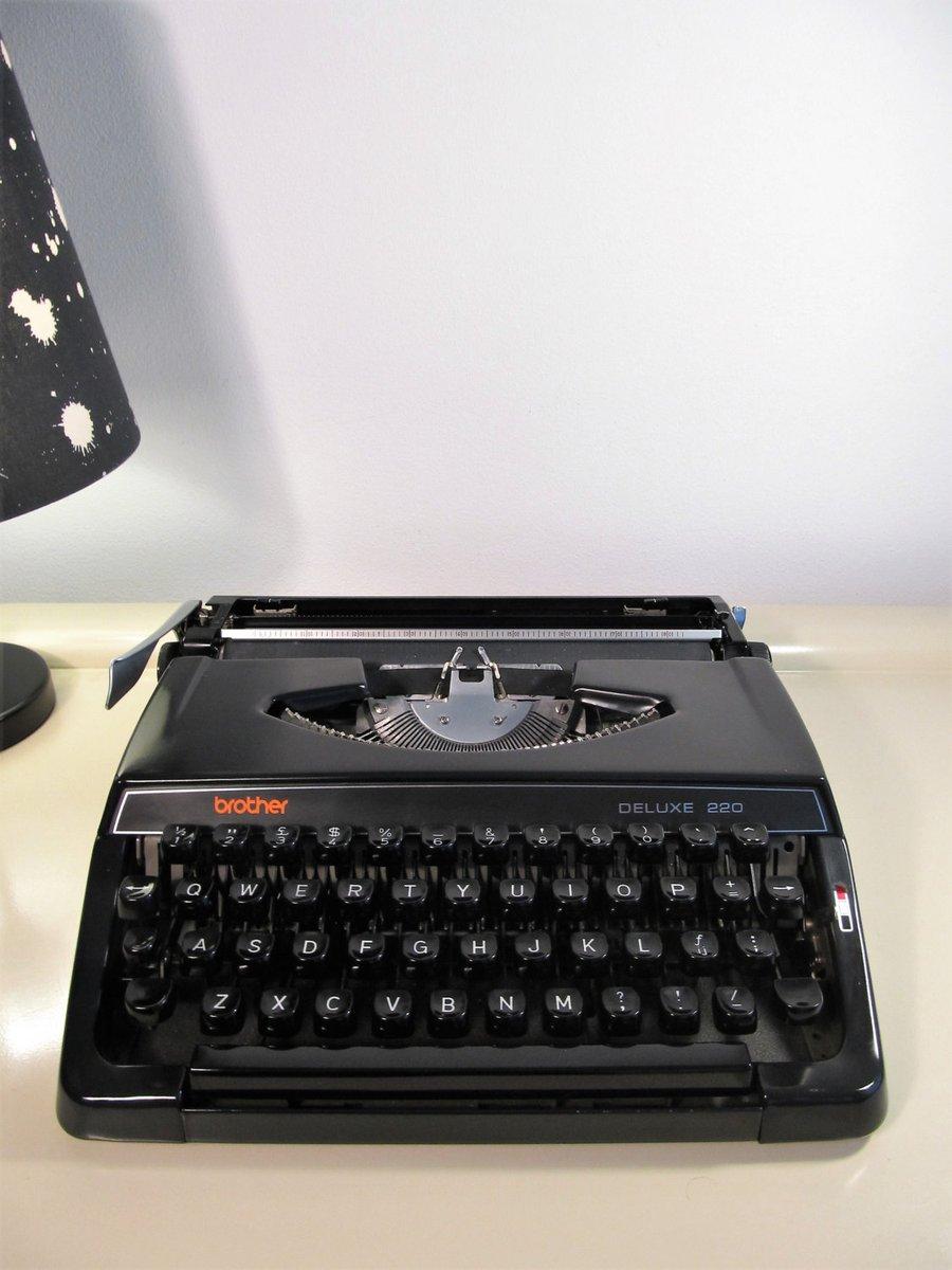 Vintage Typewriter, Typewriter, BROTHER Deluxe 220, Working Typewriter, Portable Typewriter, Black Typewriter, Case, Made in Japan, 70s https://t.co/ObjJCLzfZU #CYBERSALE #Wedding #FREESHIPPING #Vintage #Retro #covid-19 #MyNewTag #Christmas #VintageOfficeDecor https://t.co/2NDCAf3SaX