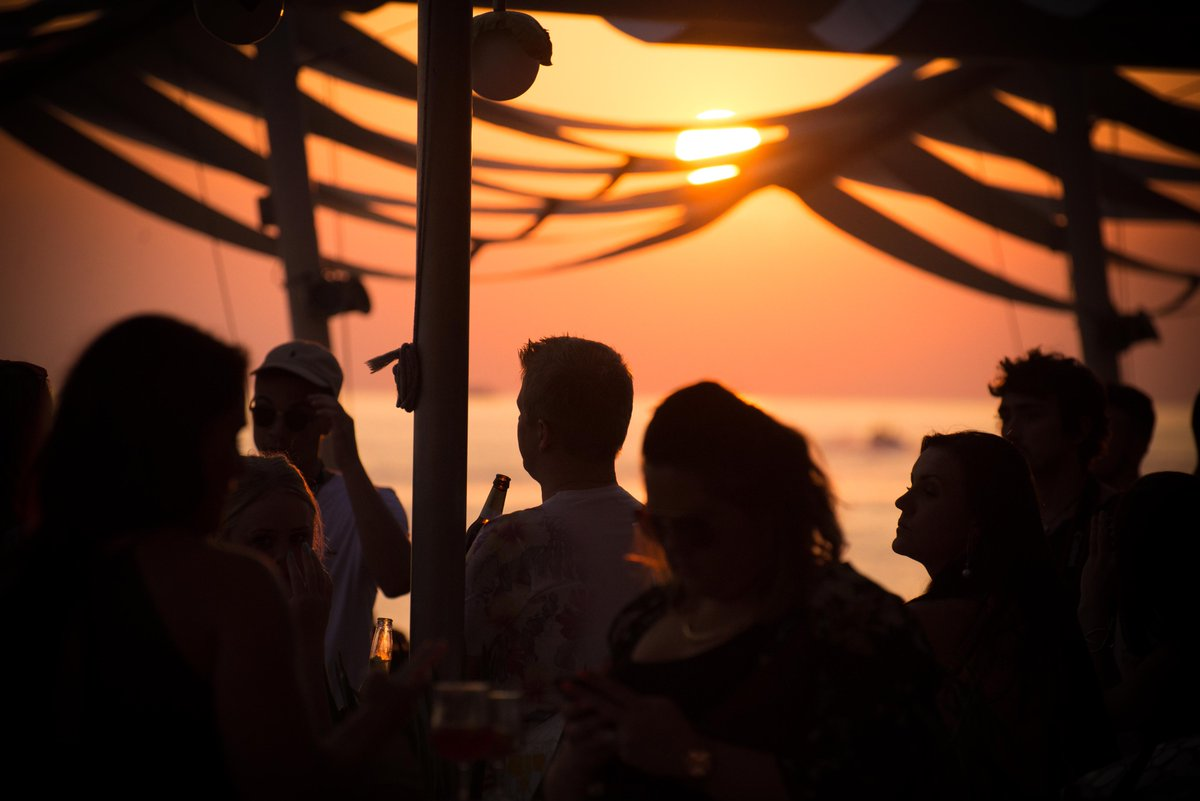 We're currently compiling a new Spotify playlist of 'Balearic sunset Classics'... which tunes would you want to see in there? 🎶😎 https://t.co/2DMRGZFdF0
