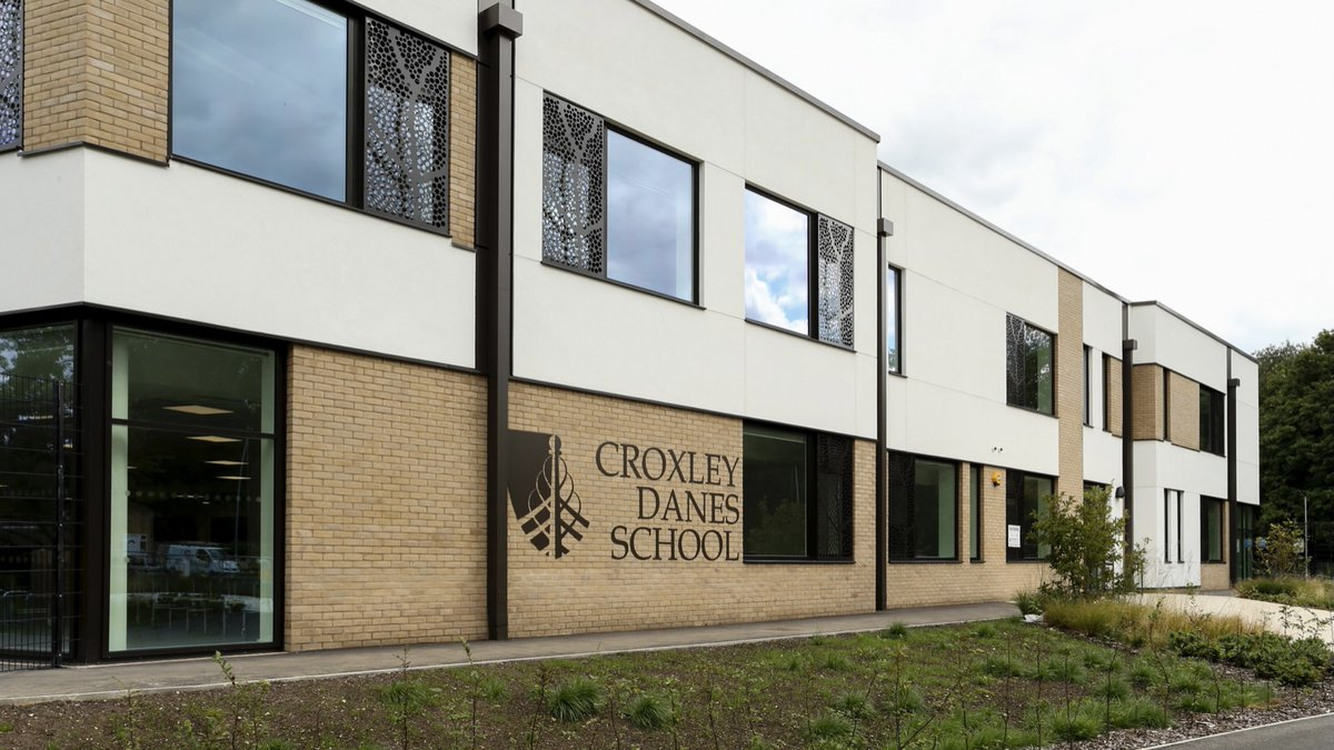 As @croxleydanes expands, over the next few weeks we'll  be advertising a variety of Teacher Leadership opportunities. For information contact Dawn Gamble at recruitment@danesedtrust.org.uk. Or see our website where all roles will be advertised https://t.co/PWEJCYq5Ed. https://t.co/xmuLbrvmGP