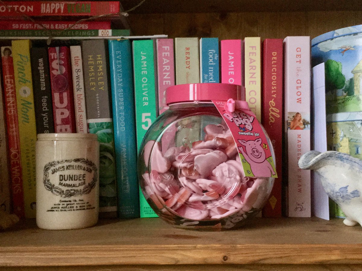 When your daughter's Percy Pigs are calling to you ... very loudly! Oh, the temptation!🙉😬🐷  #wednesdaythought #WednesdayMotivation @marksandspencer