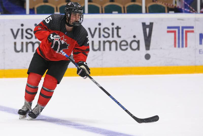 #Tonight on Out of the Fog! Host Jason Piercey chats with Canadian World Junior Championship Silver Medalist, Alex Newhook and Justin Bourne, Analyst, NHL on Sportsnet. That's tonight on Rogers tv @ 7:30pm!  #WorldJuniors #TeamCanada #AlexNewhook