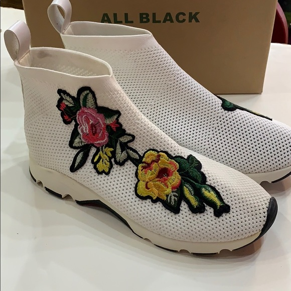 So good I had to share! Check out all the items I'm loving on @Poshmarkapp #poshmark #fashion #style #shopmycloset #allblack #fabletics #2btogether: