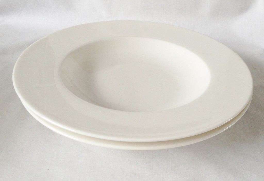 #new and #unused #villeroyandboch #twist #white bowls great addition to any #dinner service #crockery https://t.co/rkw9h7dIwE https://t.co/PyBQSyTUCw