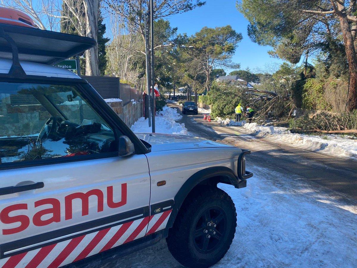 Tras las nevadas de #Madrid de deja más clara aún la polivalencia del #TES con tal de llegar al paciente @grupo_samu  #FMA #MadridNevado
