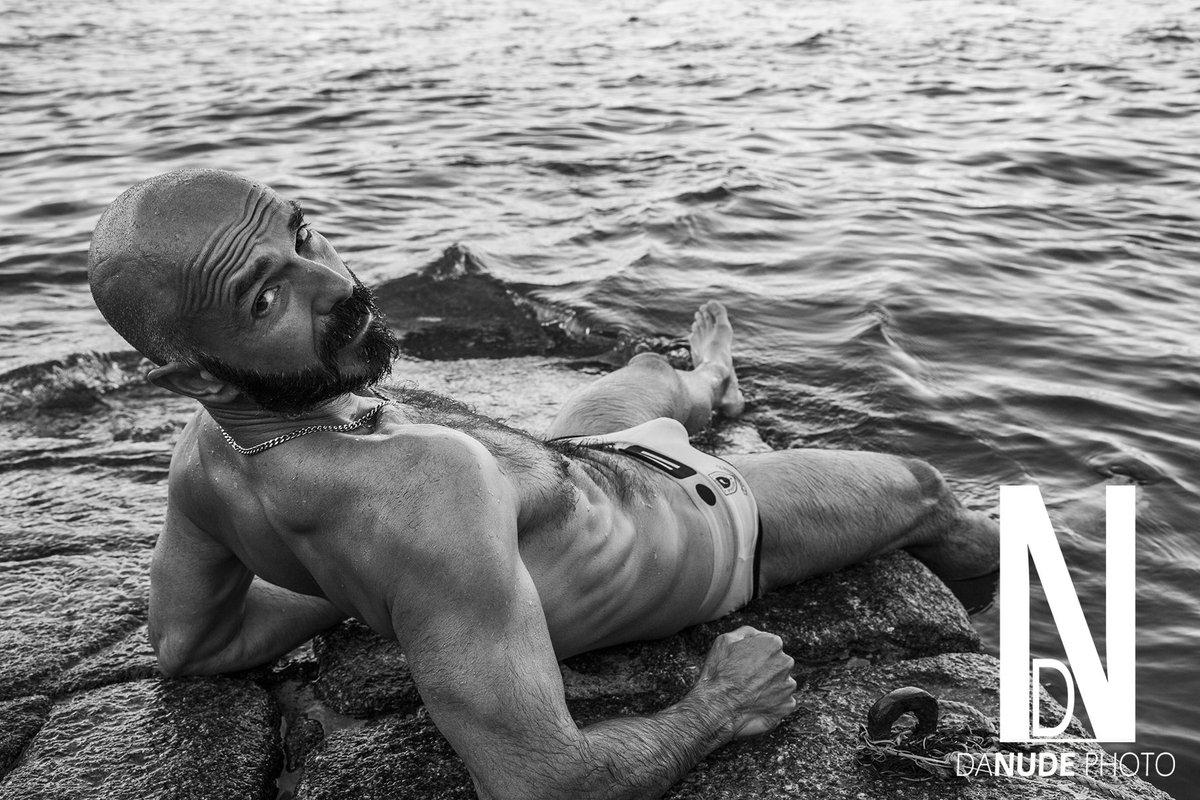 Modelo : Fernando  #danudephoto#macho#pelo#sexy#hot #slips #blancoynegro #chulazo #maduritosexy #mar #agua #aguaychicos