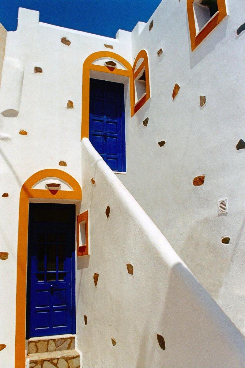 Πάρος, Νάουσα #tbt #greece #greeksummer #greekislands #cyclades #paros #parosisland #village #naousa #architecture #buildingarchitecture #building