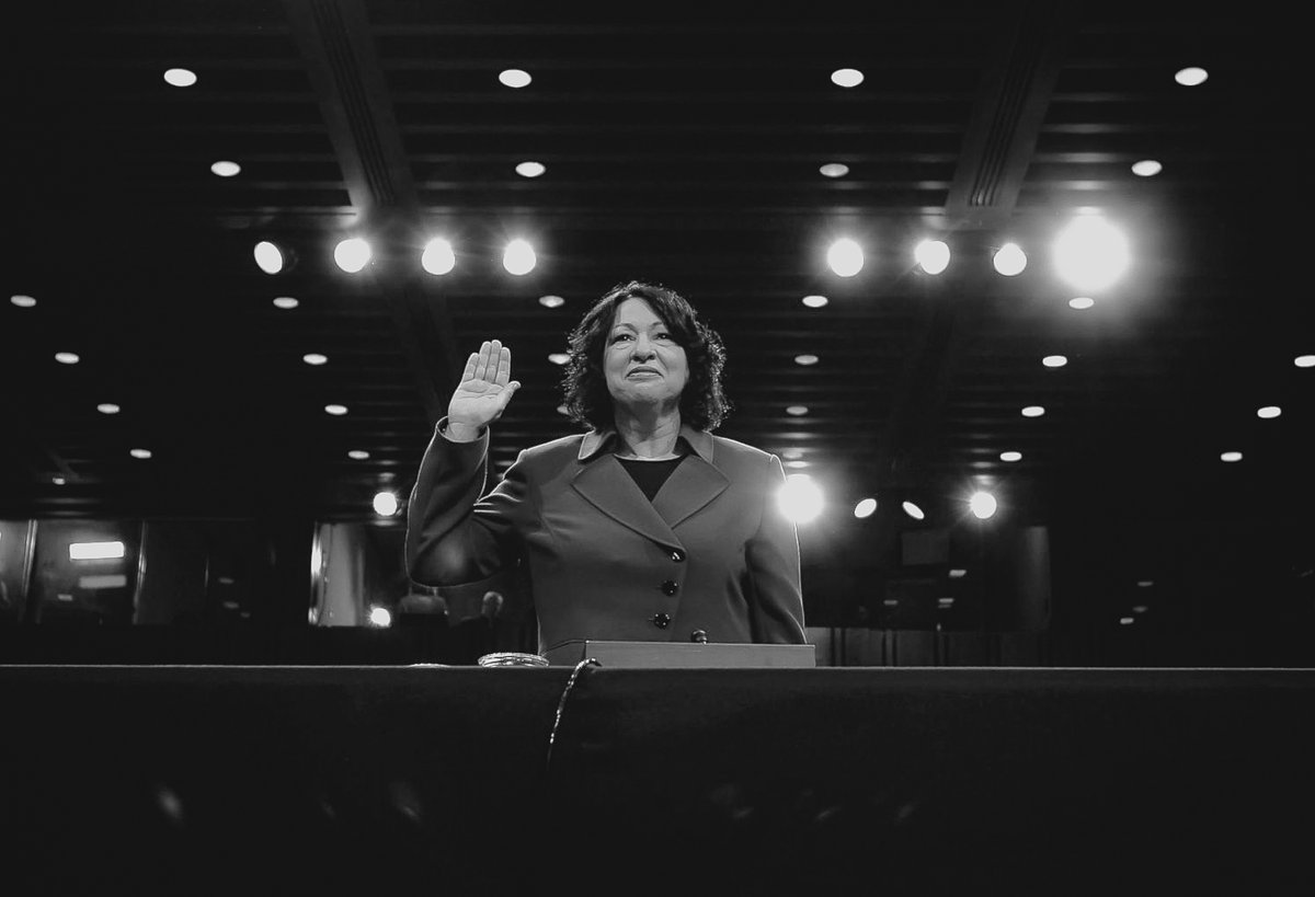 Today in the USA, Justice Sonia Sotomayor will swear in Vice President-elect @KamalaHarris. Sotomayor is the first woman of color, the first Latina, and the first person with Type 1 diabetes to sit on the US Supreme Court!
