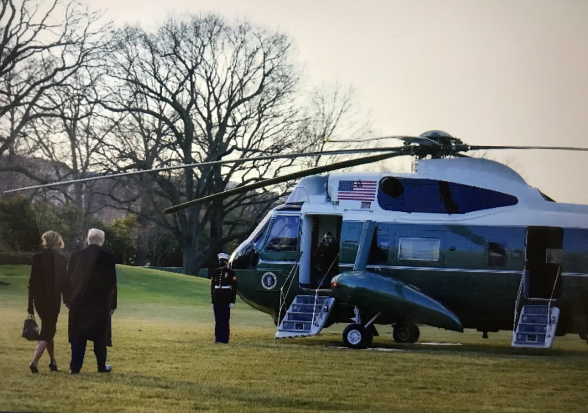 #Trump leaving the #WhiteHouse for the last time as President! 🇺🇸 Wonder if he left the Immersion on? #InaugurationDay #TrumpsLastDay