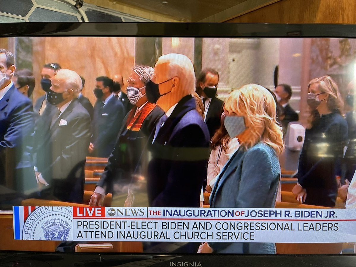 Look at all those masks ♥️♥️♥️♥️ #BidenHarrisInauguration #bidenharris @JoeBiden @KamalaHarris #InaugurationDay