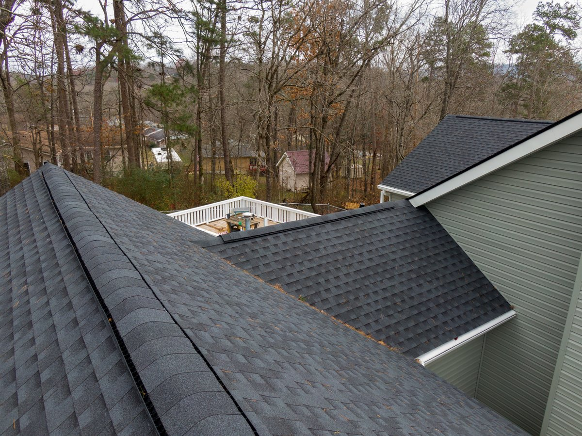 Love the way this new roof in North Georgia turned out. Customer chose @GAF Timberline HDZ in Charcoal.   #mygafroof #gaf #chattanooga #armorxteriors #armorroofing #armorup