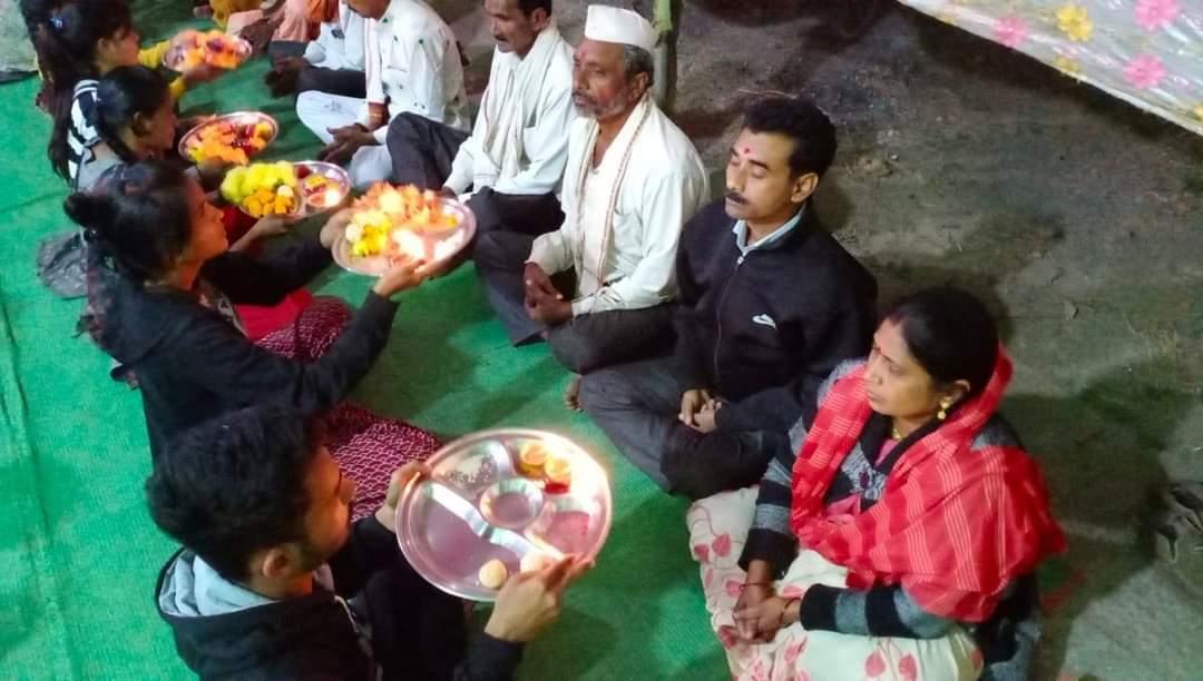 पूज्य संत श्री आशारामजी बापू की पावन प्रेरणा से दिनांक 17/01/2021 रविवार को ग्राम - कोंढासावली , जिला - काटोल , नागपुर , महाराष्ट्र में मातृ  - पितृ पूजन महोत्सव मनाया गया