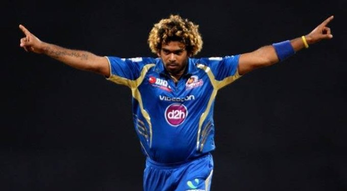 Lasith Malinga Is Only IPL Bowler In History Of IPL To Take 5 Wicket Haul In Both IPL & CLT20 For  @mipaltan   5/13 vs DD In 2011 IPL 5/32 vs CSK In 2012 CLT20  #ThankYouMalinga