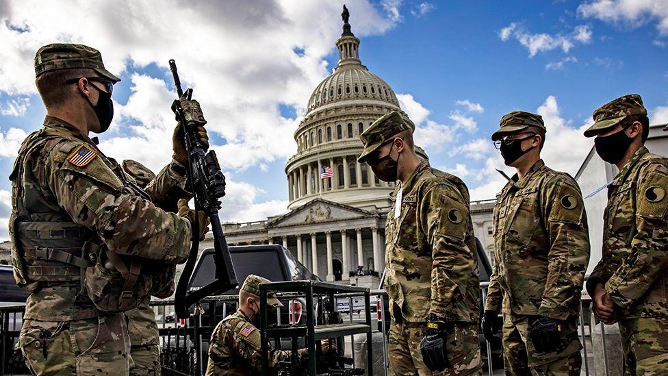 Unos 25.000 miembros de la Guardia Nacional trabajarán para garantizar la seguridad durante la ceremonia de inauguración del gobierno de Joe Biden luego del ataque al Capitolio el miércoles 6 de enero #1020AM #InaugurationDay