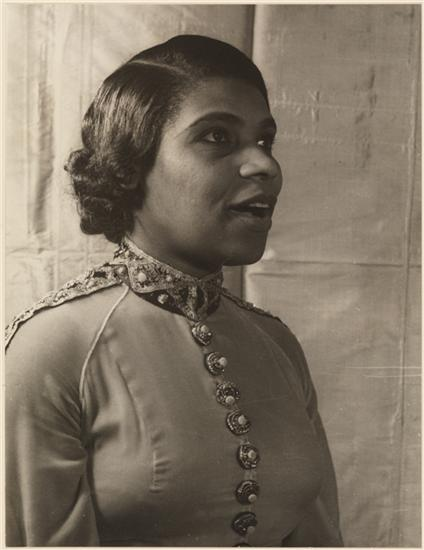 #InaugurationDay will have performances by 2 #NewYorkers, @ladygaga & @jlo. In 1957, #MarianAnderson broke barriers as the 1st African American to perform at inauguration. More coming soon...stay tuned! 📸 : Carl Van Vechten, Marian Anderson, 1940, 42.316.240, ©️ VanVechtenTrust