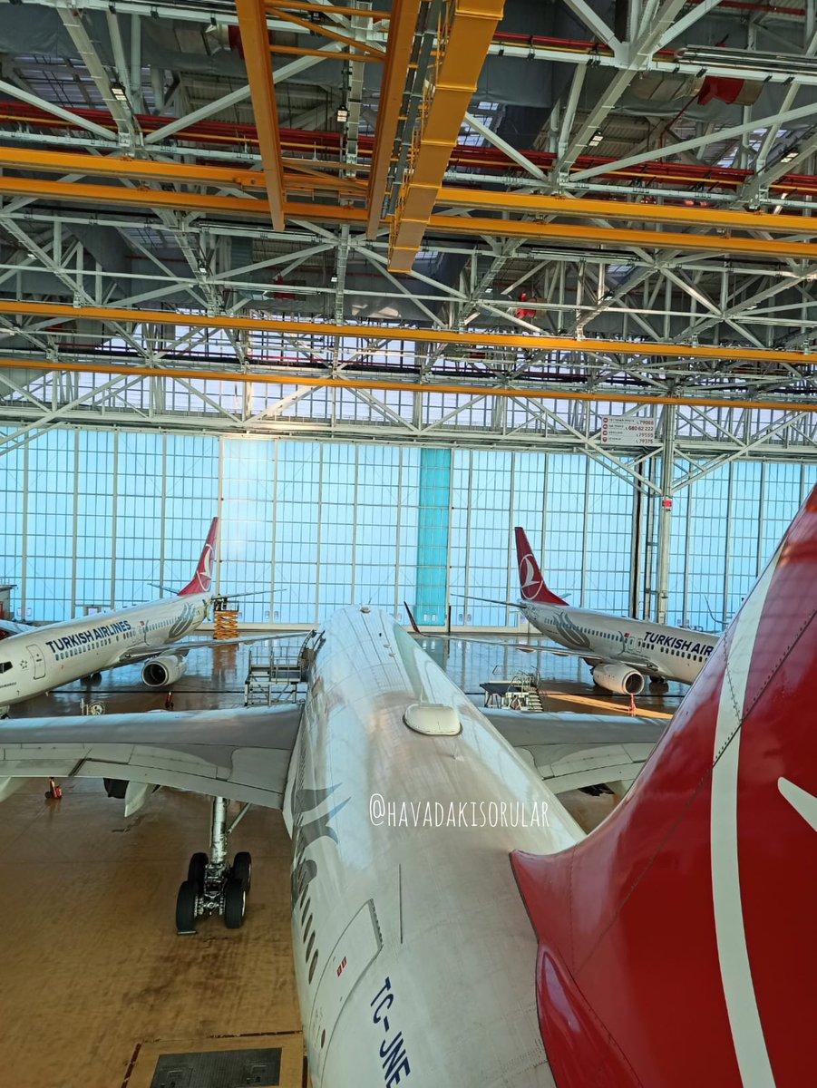 Rudder gözünden bakalım 👀 . . . @havadakisorular 📸 #hangar #airport #havacılık #havalimanı #thy #tkmoments #tk #İstanbulhavalimanı #photography #photooftheday #photo #photographer #photoshoot #planespotter #planepics #plantsofinstagram #planelovers #havadakisorular