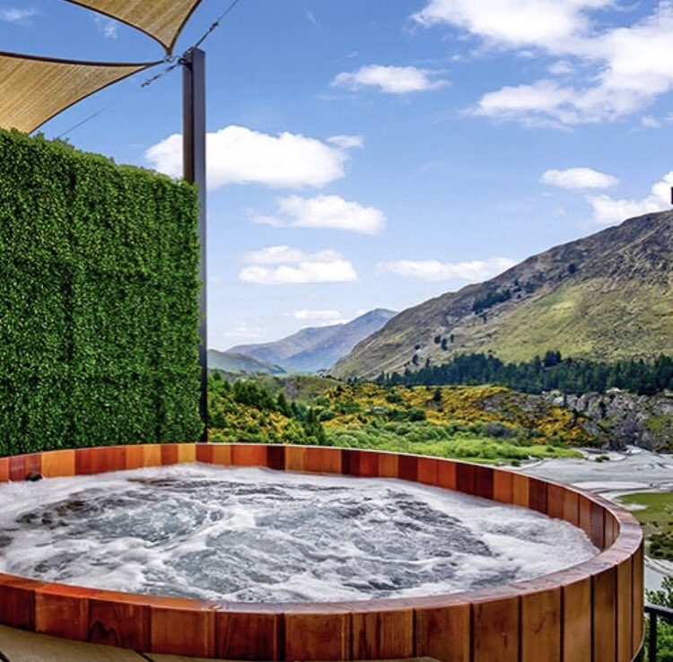 Letting off the steam 💨 in #Queenstown at the @onsenhotpools is the best way to relax while taking in the alpine scenery 🏞🤩 #nzmustdo #hotpools #travel_captures #traveldiaries #travelingram #igdaily #travelbug #newzealand #travel #beautifuldestinations #wanderlust #bucketlist