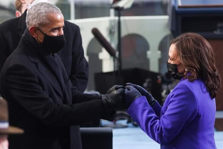Passing the historical baton.  #InaugurationDay  @VP @BarackObama