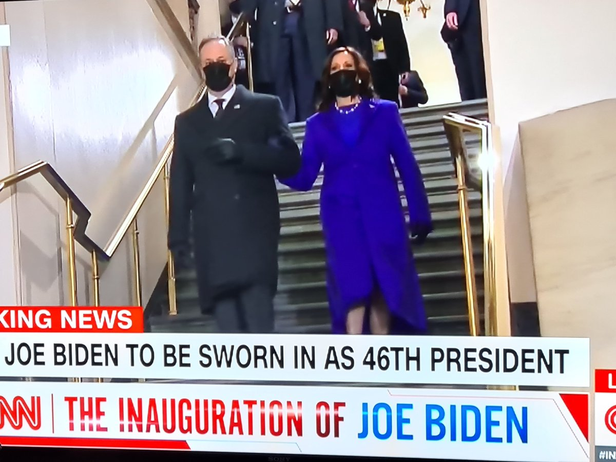 Historiallinen hetki. Kamala Harris astuu virkaansa. What a historical moment. Yes we Can! #BidenTransition #BidenInauguration #BidenHarris @KamalaHarris