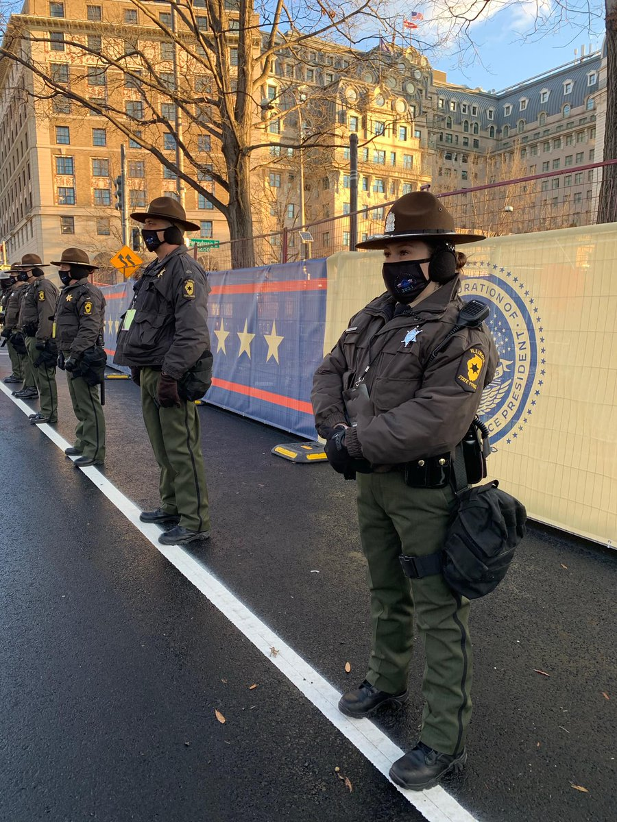 Illinois State Police help protect the streets for this Inauguration Day. Illinois National Guard Troops are also helping out with unprecedented security. For full inauguration day coverage: wrex.com/?utm_medium=so… (Photo Courtesy: Illinois State Police)