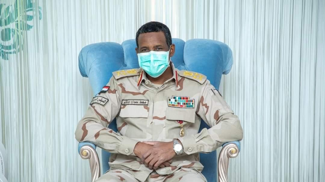إلتقى النائب الأول لرئيس مجلس السيادة الإنتقالي ، قائد قوات الدعم السريع، الفريق أول محمد حمدان دقلو @GeneralDagllo ، اليوم الأربعاء وفداً من قبيلة الهوسا، حيث ناقش اللقاء الأوضاع بالبلاد والولايات الشرقية على وجه الخصوص. #السودان #قوات_الدعم_السريع #sudan #RSF