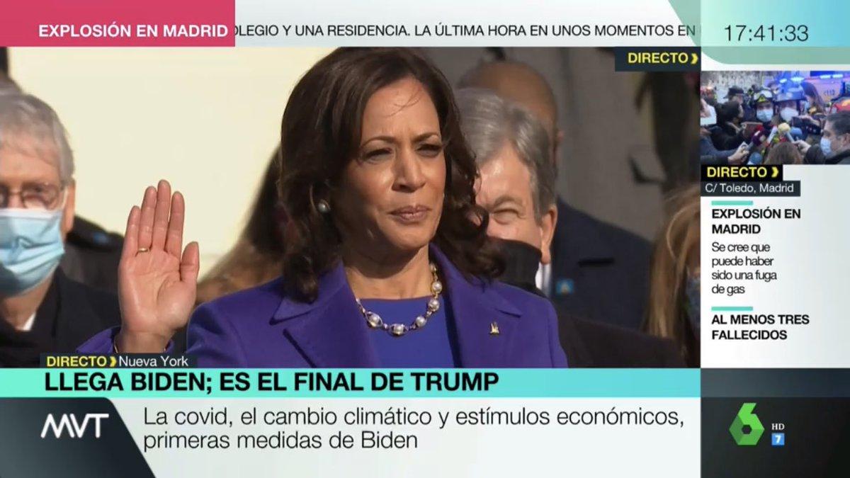 Historia 🤩  Una mujer jurando como vicepresidenta de EE.UU
