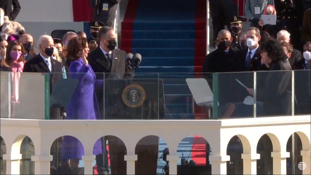 Kamala Harris hace su juramento como vice presidenta de Estados Unidos  Ver Noticia   🔔Inscríbete a nuestro servicio personalizado de #Noticias por #Whatsapp 👉