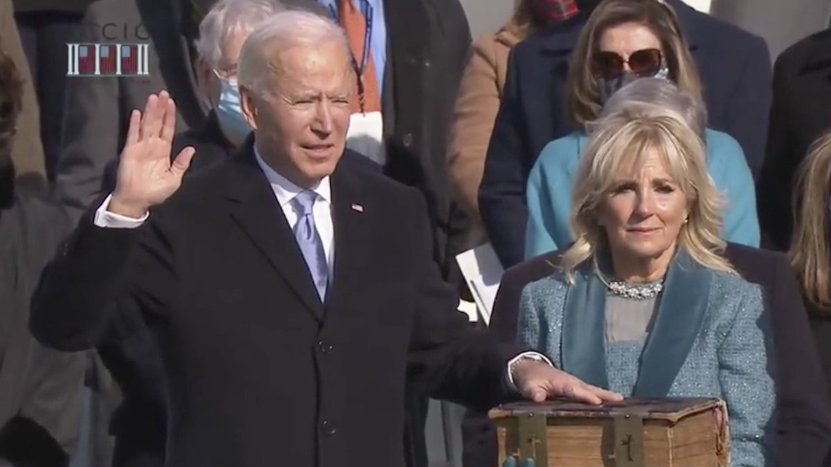 """""""i, joe biden, solemnly swear to never look directly into a fucking eclipse"""""""