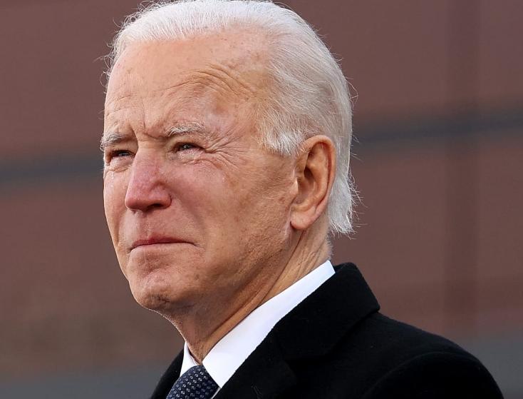 بدء مراسم تنصيب جو بايدن رئيسًا للولايات المتحدة وكامالا هاريس نائبة له.