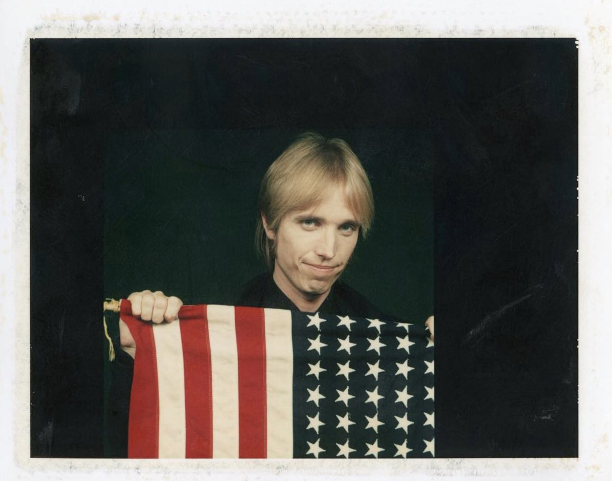 Replying to @tompetty: 🇺🇸✌️