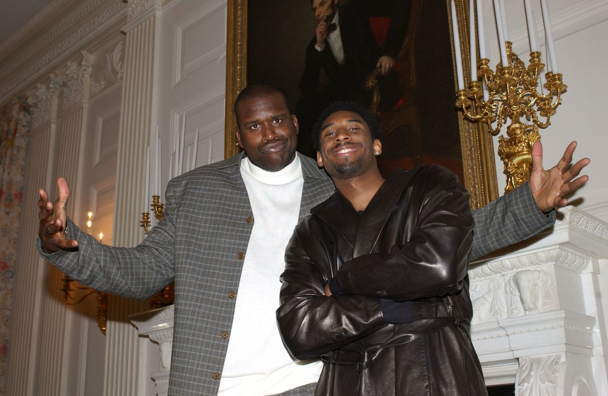 Shaq & Kobe at the White House in '02. 📸 https://t.co/8Rn26Zt4yQ