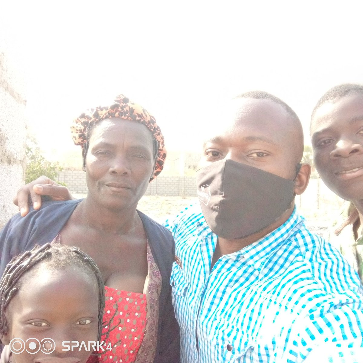 """I ran into this beautiful and  lovely family earlier today in Bwari Area council Abuja. The Little girl told me """"Uncle my slippers don cut"""" On a closer  glance, i saw that she was barefooted. I have no option to pack my car properly. On getting down, I engaged her with some"""