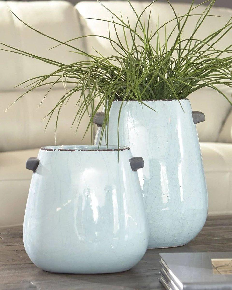 Add a flair to your living space with these beautiful vases ❤️ SHOP NOW @   Follow Us 👇 #benzara . . . #decor #vases #vaseset #vase #shine #plantsofinstagram #urbanjunglebloggers #indoorplants #indoorgarden #urbanjunglebloggers #plantstyling #plantgang