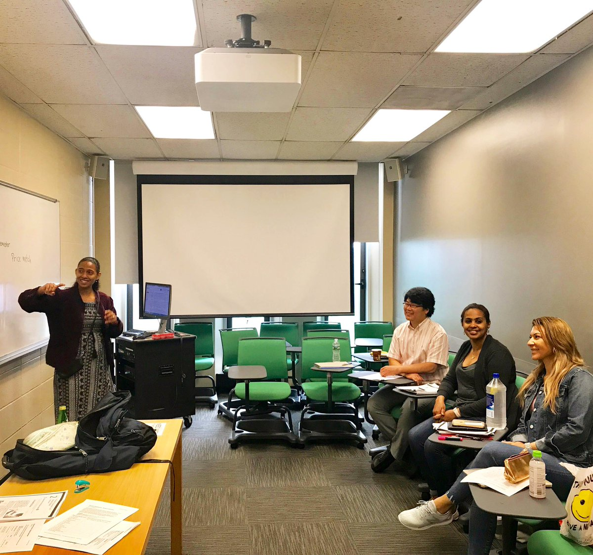 Take a look at our website to register for spring classes! We offer English language courses that specialize in topics such as business, arts, culture, and so many more! #fordham #ialc #esl