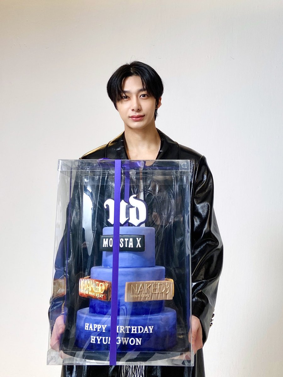 @hellokpop So proud of our Hyungwon!!!!!!! To Monbebe's Pride, we'll always work hard for you @OfficialMonstaX!!! Thank you for the article @hellokpop!!!! #NobodyElseButHyungwon  #HYUNGWON  #형원 #몬스타엑스 #MONSTA_X  #NobodyElse_Top10_BillboardWorldDigitalSong